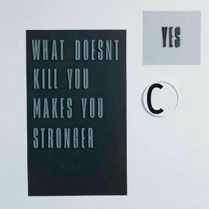 Design Letters Harmaa Kirjain Puuta C