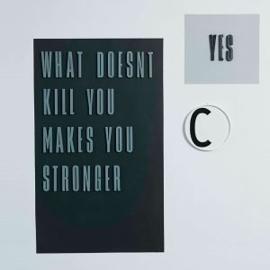 Design Letters Harmaa Kirjain Puuta Y