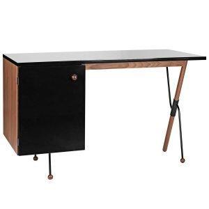 Gubi 62 Työpöytä Pähkinäpuu Musta