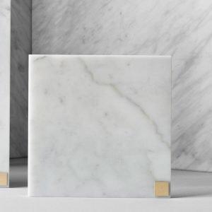 Skultuna Plus Alusta Valkoinen Marmori 15x15 Cm