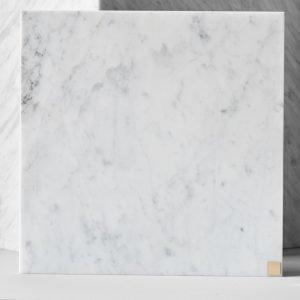 Skultuna Plus Alusta Valkoinen Marmori 30x30 Cm