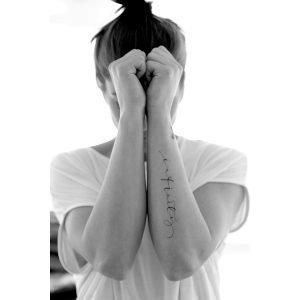 Ylva Skarp Infinity Tattoo Postikortit
